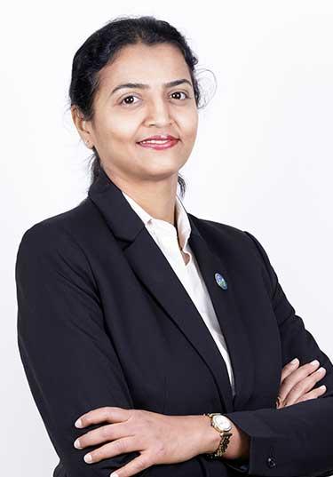 https://www.zulekhahospitals.com/uploads/doctor/Dr-Laxmi-Vijay-Yaliwal.jpg